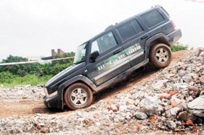 越野能力是jeep车的本行高清图片