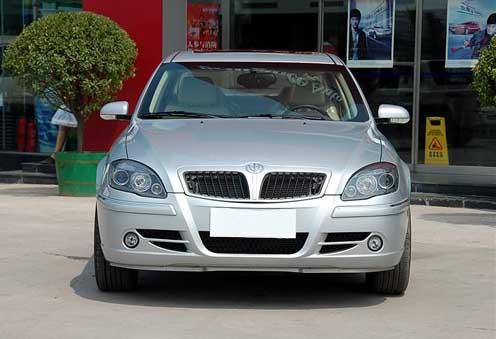 中华汽车经销商处获悉,中华骏捷在沪最高优惠1.4万元.其中,1高清图片